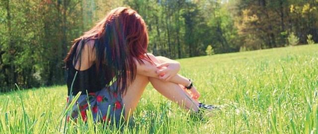 Brunette-alone-cute-girl-sadness 100 post