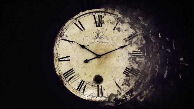7035627-clock-time